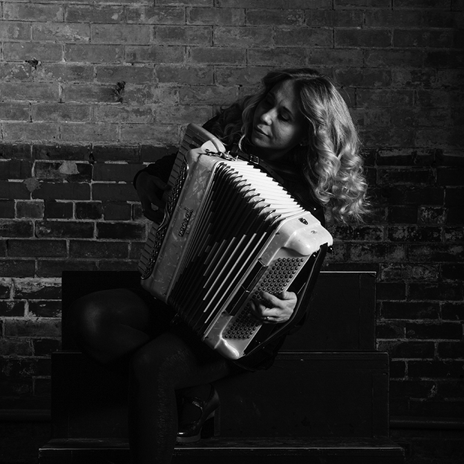 Marichka Marczyk  - accordion, vocals