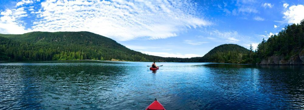 Kayaking on the freshwater Cascade Lake in Moran State Park (click to enlarge)