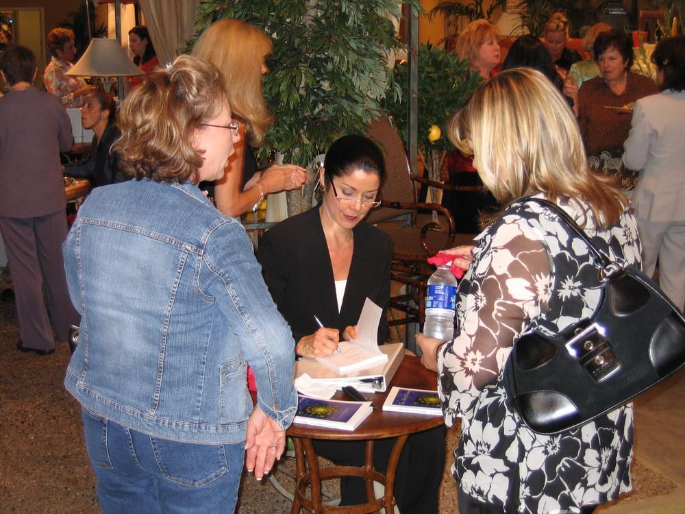 Sandi book signingIMG_0047.JPG