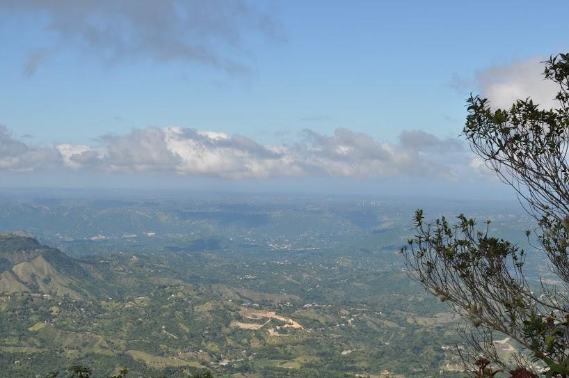 Continuamos por la carretera 143 hacia Cerro Punta; el punto más alto del archipiélago de Puerto Rico. Desde este lugar, que es parte de la reserva del bosque Toro Negro, se ve la costa norte y la costa sur de nuestra isla.Foto: Pamy Rojas