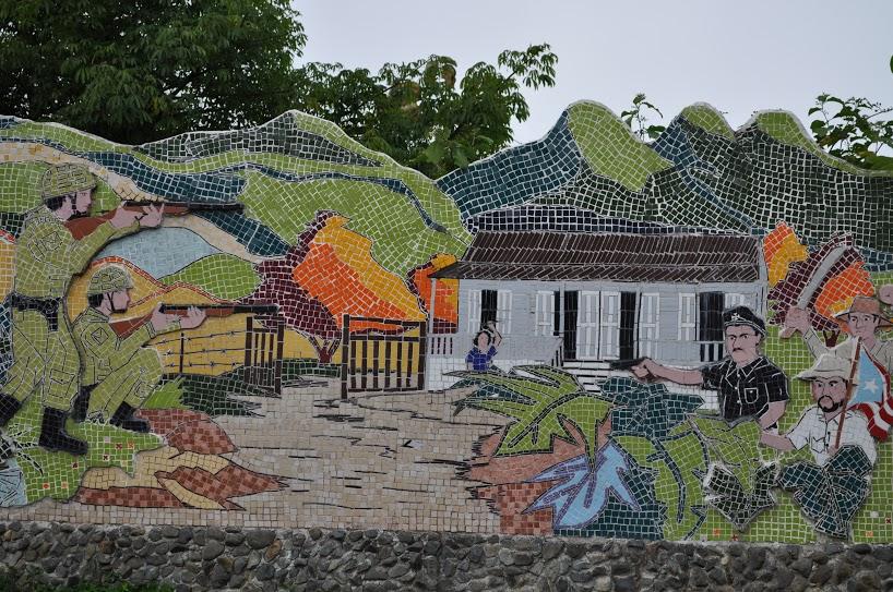 En el pueblo de Jayuya, entre la calle Libertad y el Desvío Los Maestros está localizada la tercera estación de la Ruta Nacionalista de 1950, El muro de la revolución; que recrea escenas de la revuelta.Foto: Pamy Rojas
