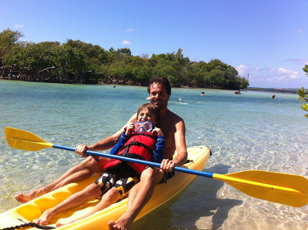 Because of its shallow waters, Aurora Key is a perfect place to visit with children.  Photo: Bruny Nieves