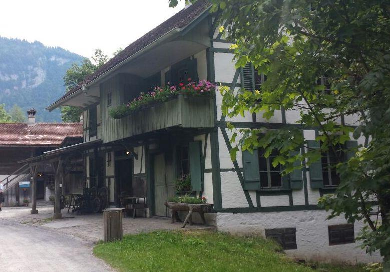 El museo está organizado por regiones geográficas, cuyas diferencias también son palpables en el diseño de las casas. Foto: Tamara Carra.
