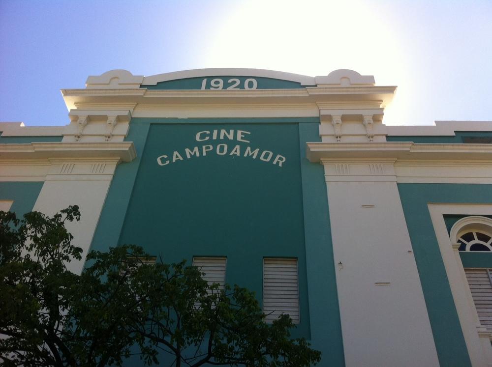 Fachada del antiguo Cine Campoamor, construido en 1920, década considerada como época de oro del cine de exhibición. Foto: Bruny Nieves