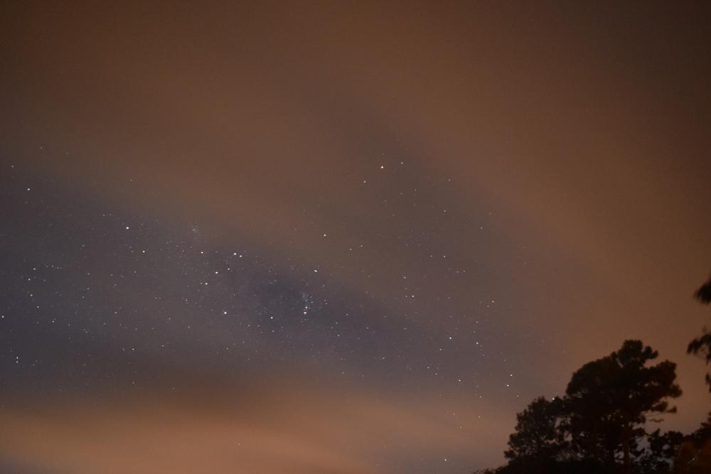 Este cielo estrellado solo se ve en lugares con poca contaminación lumínica. Foto: Alejandro Rodz. Rojas