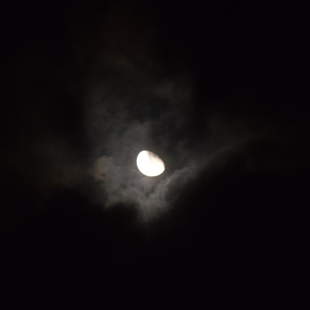 La única iluminación en las noches era la luna. Foto: Alejandro Rodz. Rojas