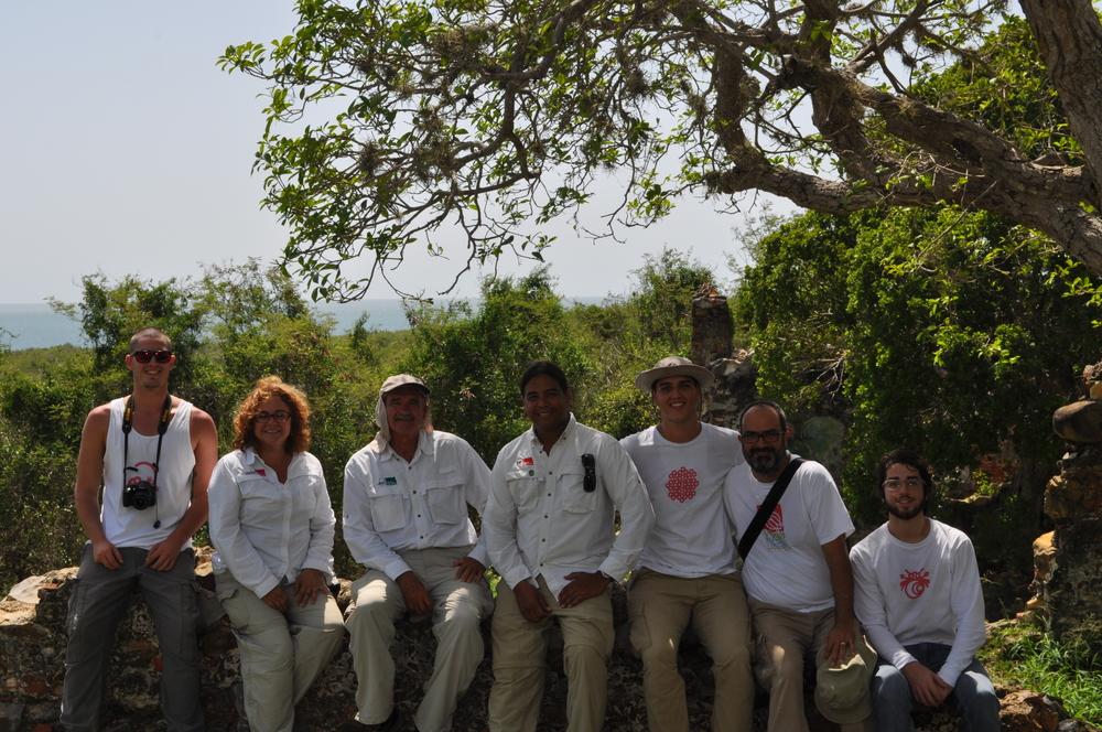 De izquierda a derecha: Alejandro (DejaVu TravelPR), Sandra, José y Ray (Para la Naturaleza), Gabriel, Javier y Josean (DejaVu TravelPR). Foto: Pamy Rojas