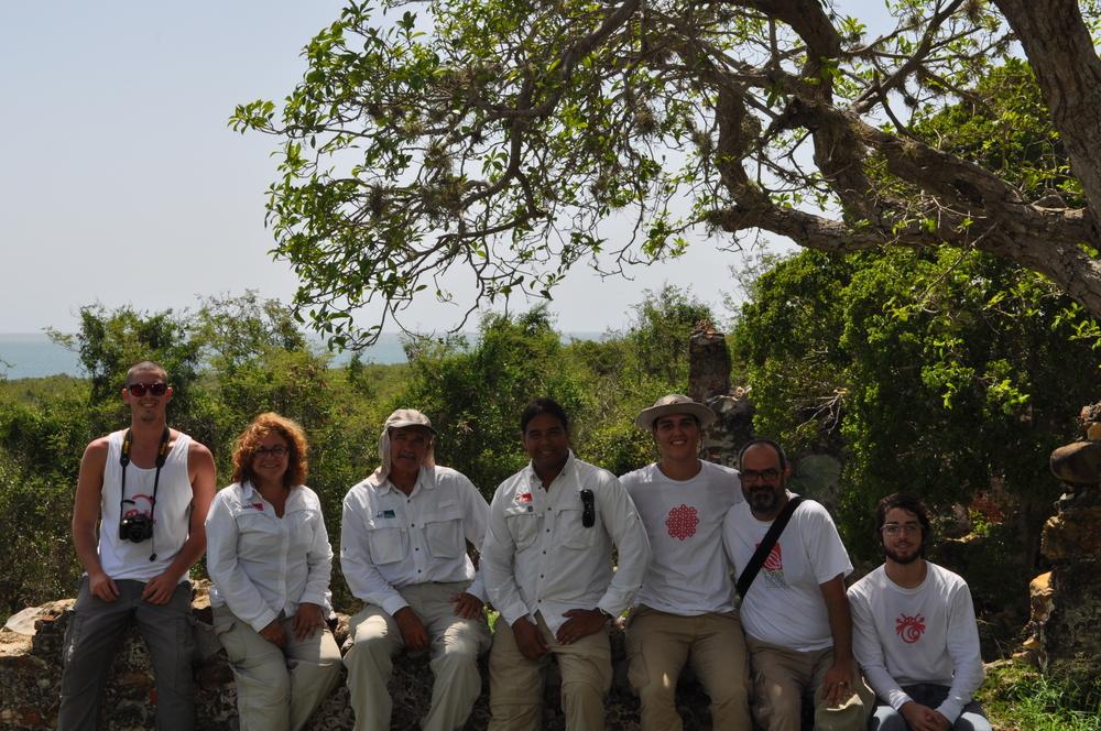 From left to right: Alejandro (DejaVu TravelPR), Sandra, José y Ray (Para la Naturaleza), Gabriel, Javier y Josean (DejaVu TravelPR). Photo: Pamy Rojas