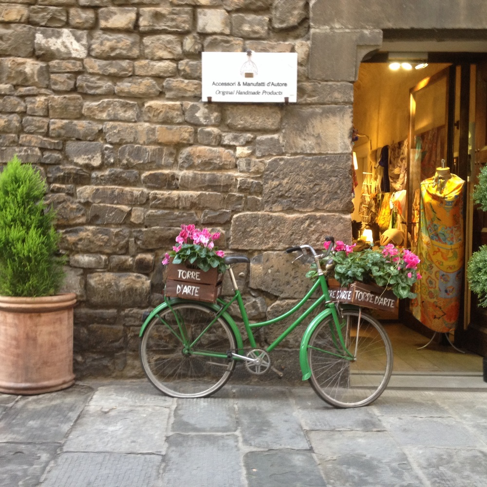 This transportation method is so identified with Florence that it is widely used in T-shirts and postcard. Many hotels offer them for guests to use. Photo: Bruny Nieves