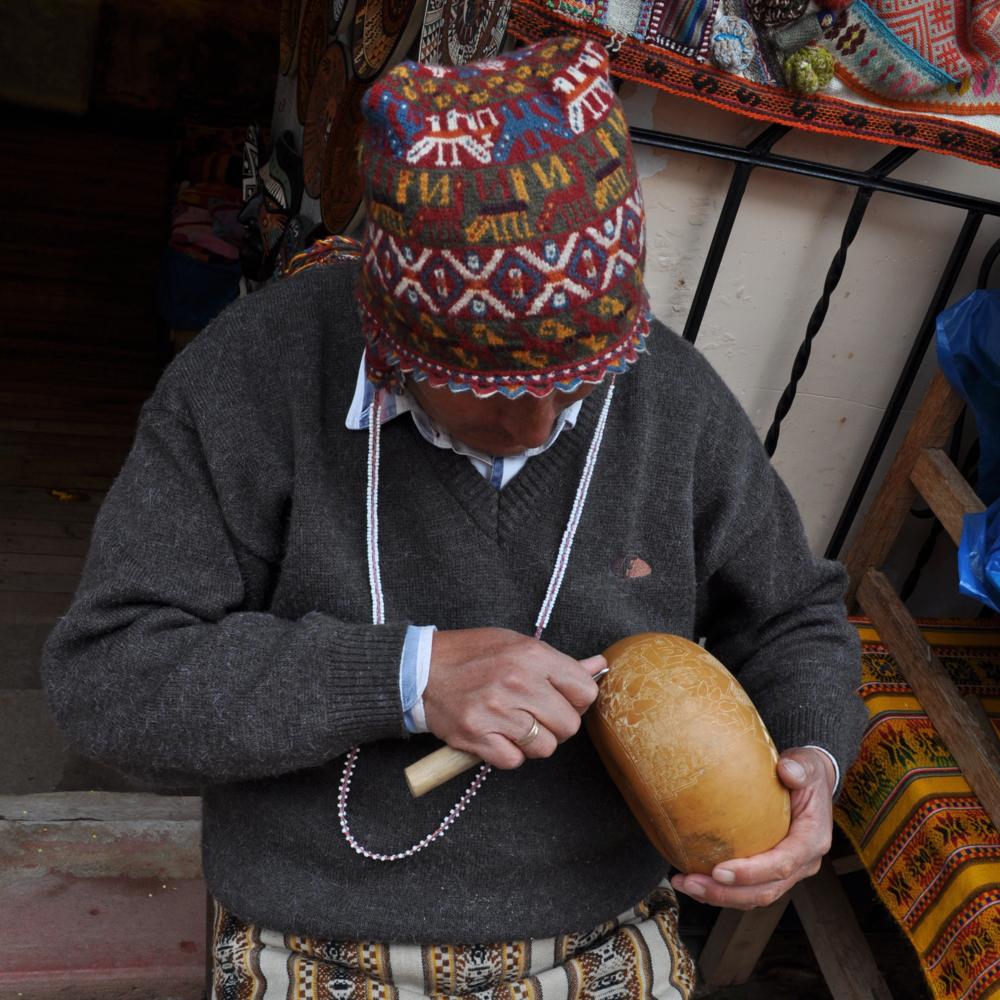 Además de los textiles, en esta villa se destacan las artesanías. Foto: Pamy Rojas