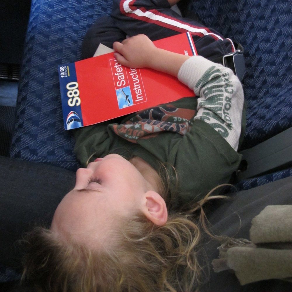 Try to get them to sleep during the flight. Your destination will probably be in a different time zone, so when you land, your body and clock will show different hours. Photo: Bruny Nieves