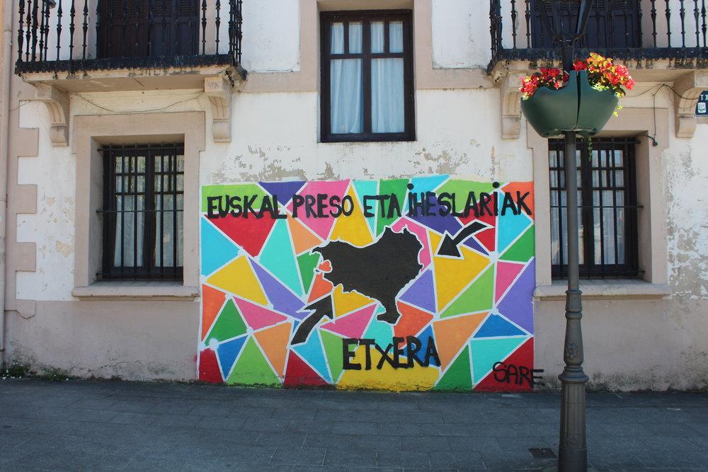Mural en el pueblo de Abadiño.