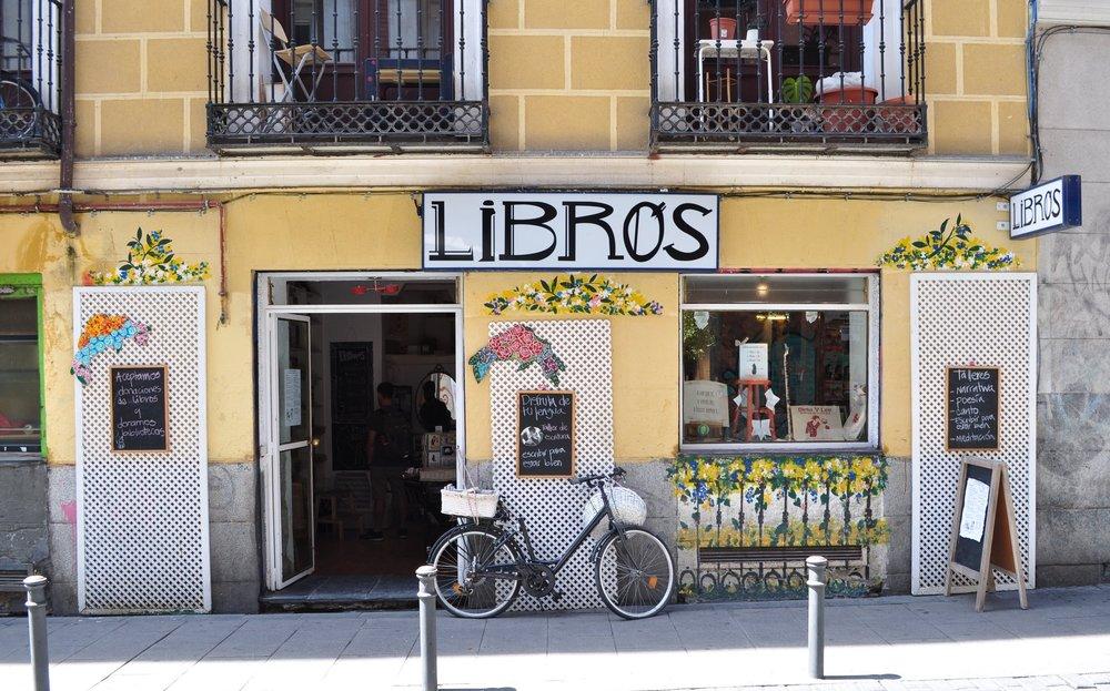Tienda para los amantes de la lectura en el Barrio Malasaña.