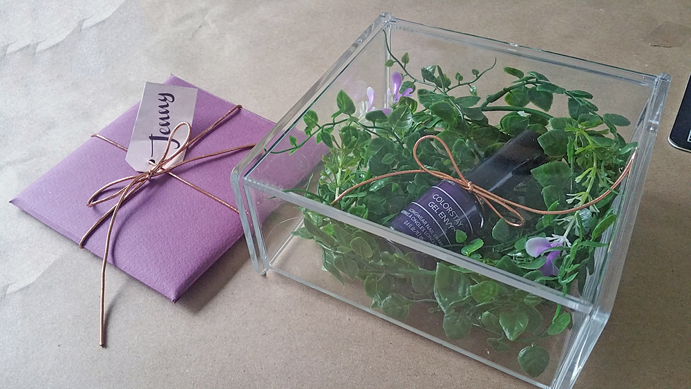 2_Jenny Card Box.jpg