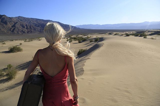 Opportunity will reveal itself when you keep moving forward.  #ExtraordinaryDecisions #MarkellePalomboPhotography . . . . . . .  #deathvalleynationalpark #photography #fineart #selfportrait #formal #fridaymood #inspiration #iamwoman #womeninbusiness