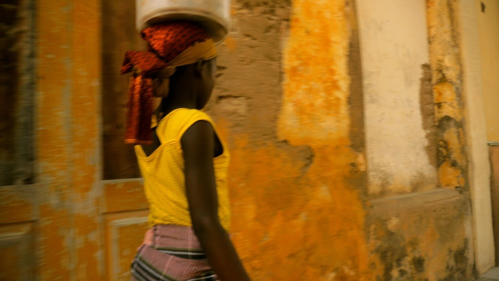 Copyright © 2012, A+B=FilmUnit. All rights reserved. Ilha de Moçambique Girl 2.jpg