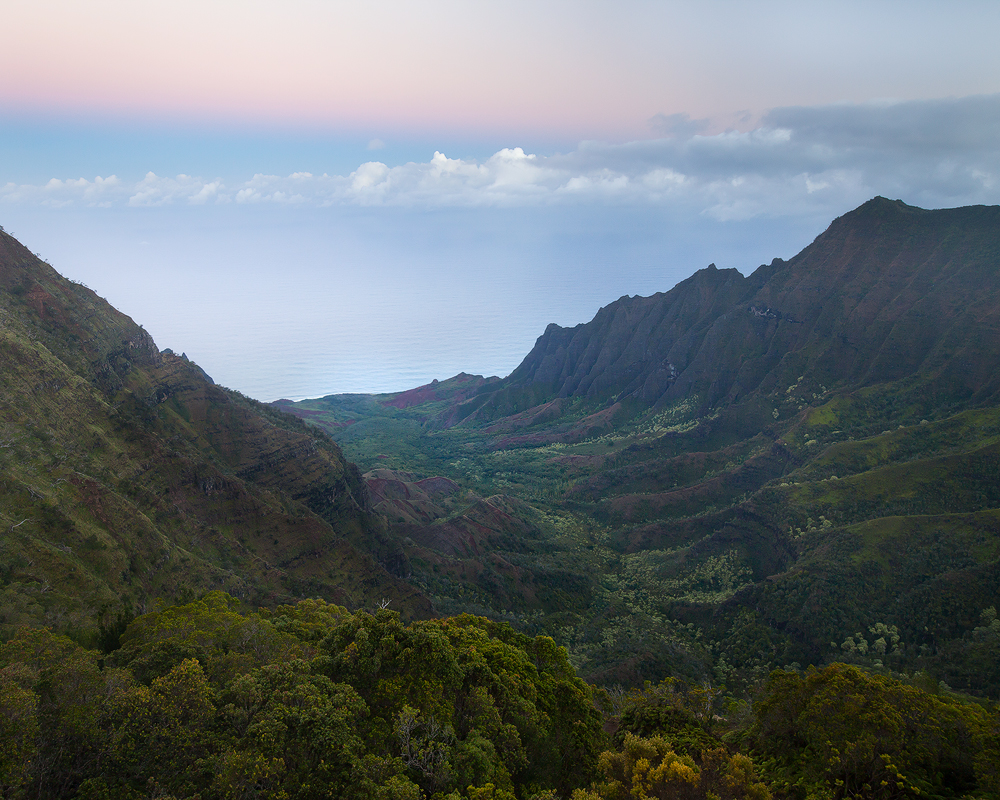 A completely inadequate photo of the Kalalau Overlook, Kauai