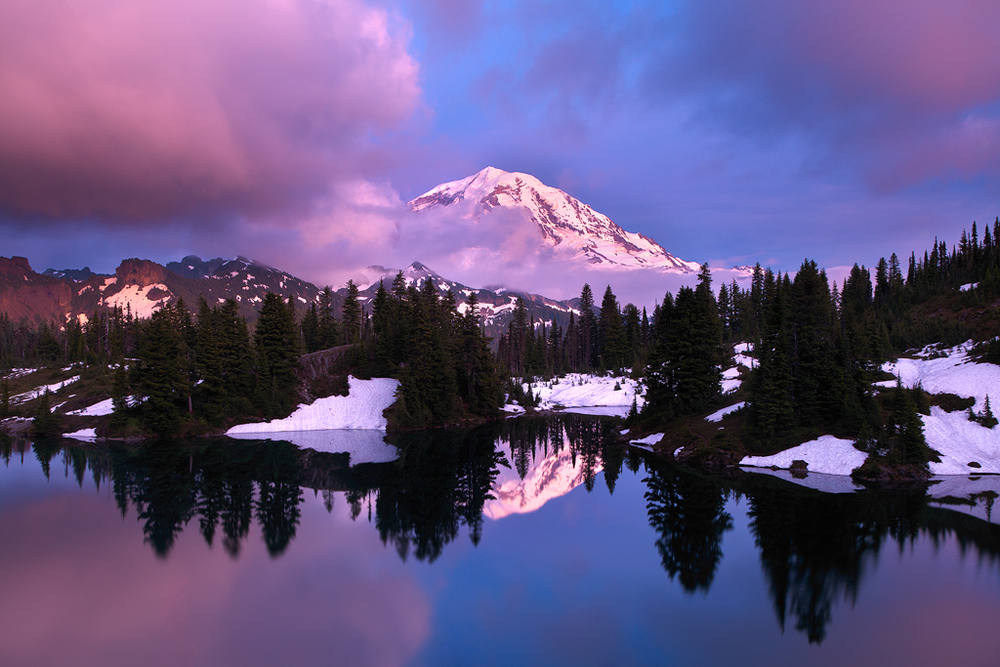 Mount Rainier National Park, Washington. (c) Ron Coscorrosa