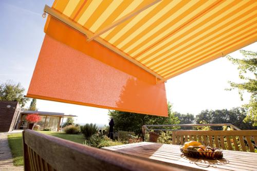 Markízy na terasy, zimné záhrady a bočné krytie altánkov