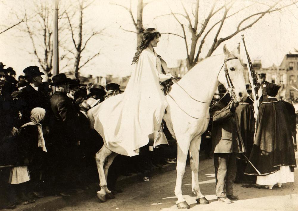 Inez_Milholland_1913.jpg