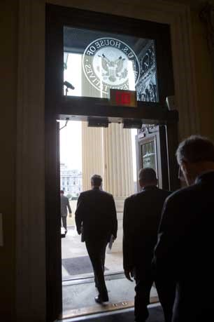 Members of the House leave Capitol Hill to begin a two-week recess in Washington, March 21, 2013. (Photo: Stephen Crowley/The New York Times)