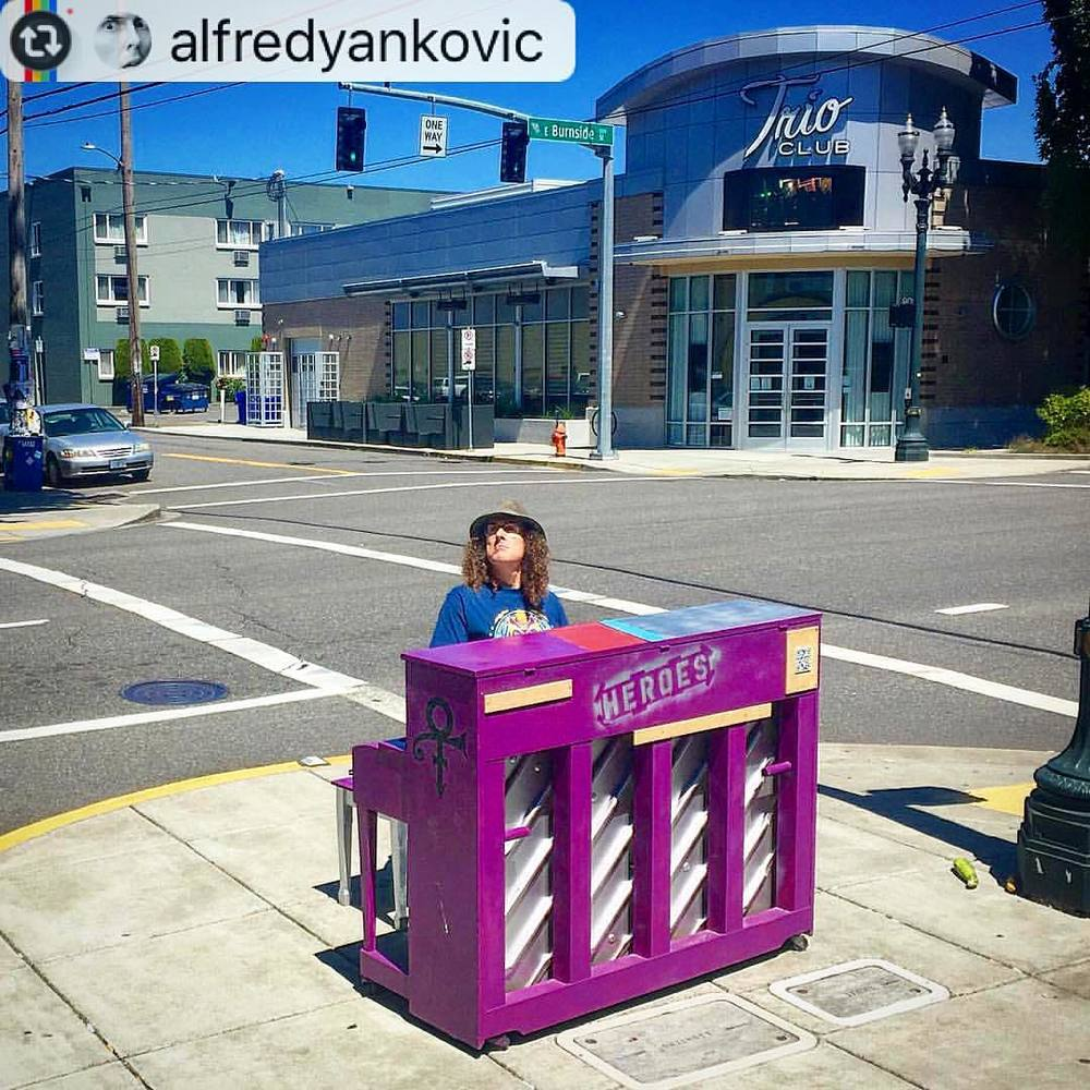 """Free live outdoor concert in Portland today!"" - alfredyankovic"
