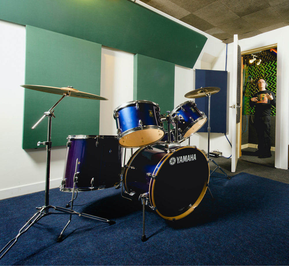 Our house kit, and it looks like Hamish the engineer has been surprised mid air-guitar solo...
