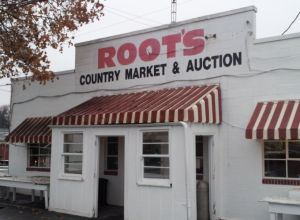 I woke up early on Tuesday to make it to the flea market at Root's Country Market. Again, I haven't been able to do this in about ten years! It is only held on Tuesdays.