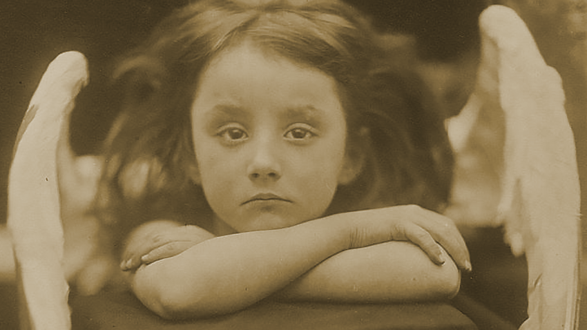 I Wait / 1872 / photo: Julia Margaret Cameron / Public Domain via Wikimedia Commons