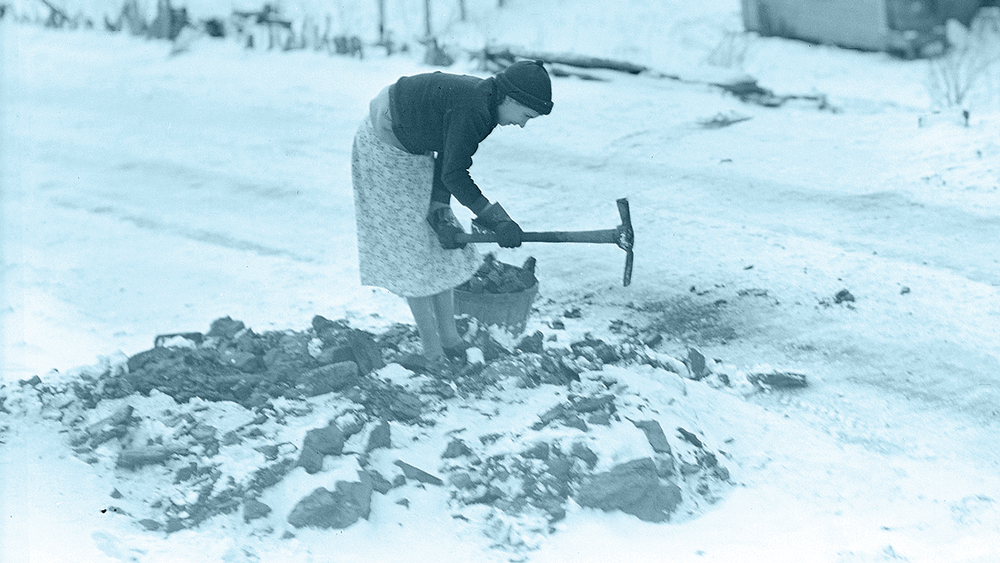 Woman gathering coal [detail/color by K+S] / Lewis Hines / 1937 / Public Domain via U.S. National Archives