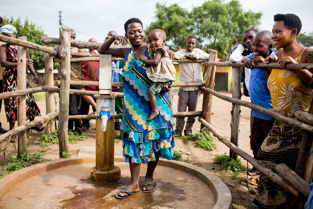 Rabecca is one of the first female well caretakers in her district in Uganda. She earns a living collecting fees for the water and keeping the well clean. It's money she's using to raise her daughter.