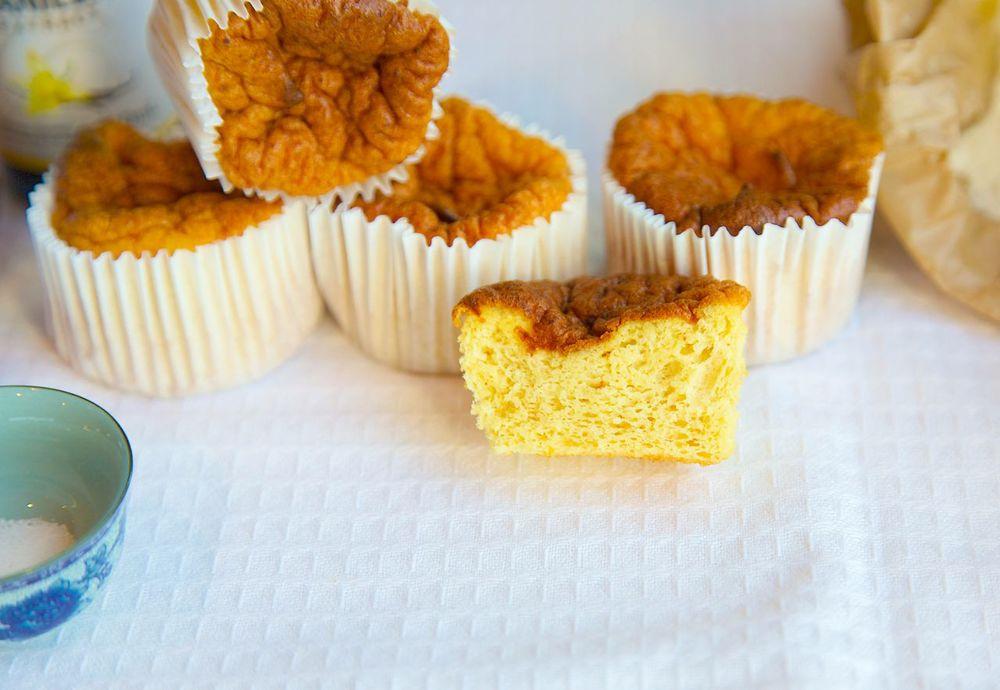 Gluten Free Vanilla Cupcakes with coconut flour - Paleo: FAIL
