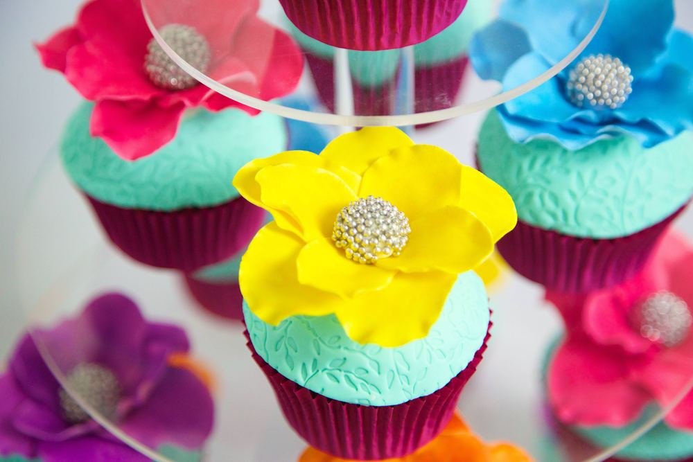 closeup flower cupcake.jpg