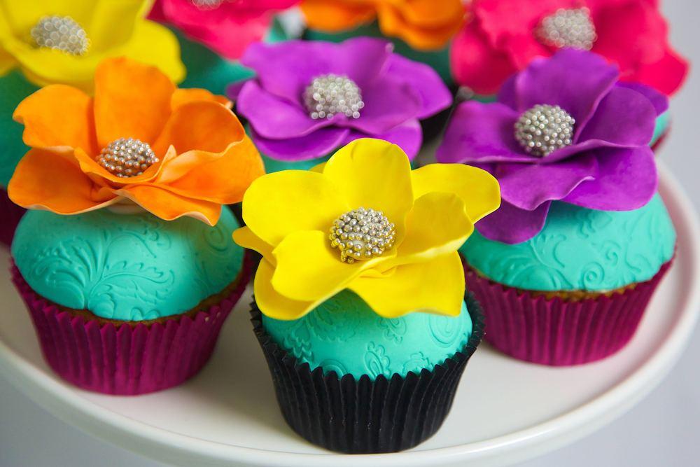flower cupcakes.jpg