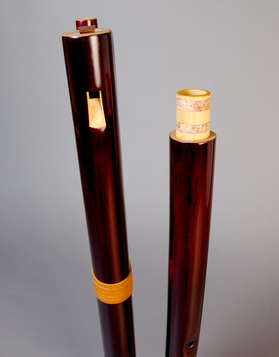 fujara-flute-master-maker-winne-clement-fluiten-luthier-craftsman-music-instrument-wood-wind--fujaru-fujary-overtone-harmonic-bass-ethnic-elder-collapsible-joint.jpg