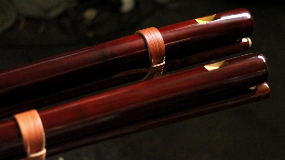 Fujara-flute-master-maker-winne-clement-fluiten-luthier-craftsman-music-instrument-woodwind--fujaru-fujary-fujarka-overtone-harmonic-bass.jpg