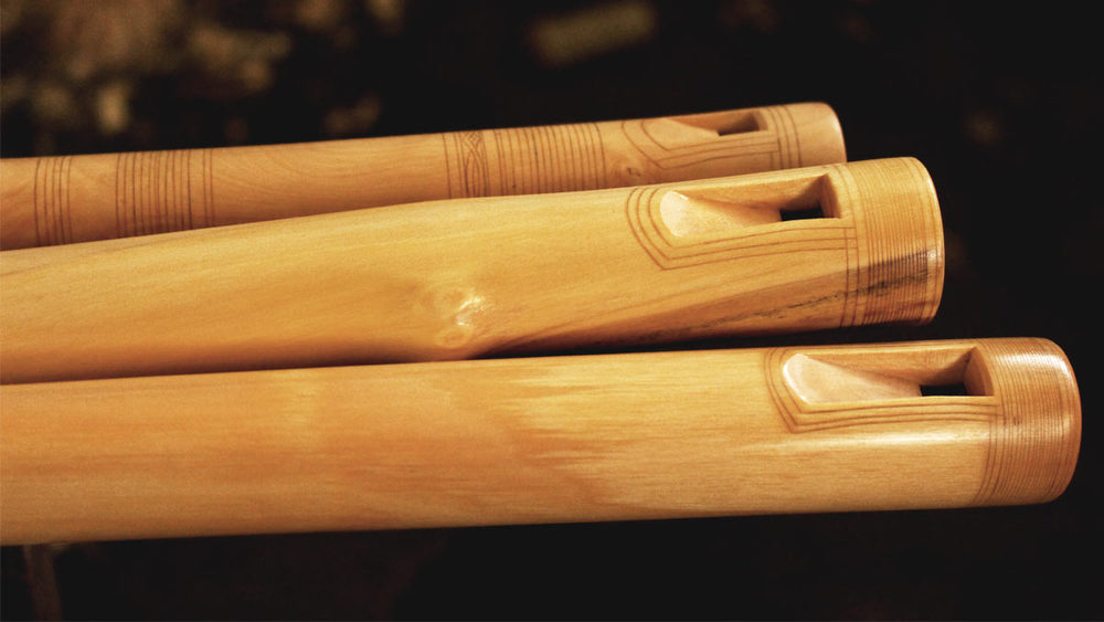 Kaval-Romanian-Moldavian-caval-kavalu-flute-master-maker winne-clement-fluiten-maker-luthier-craftsman-music-instrument-wood-wind-fipple-dilli-carvings-ornaments.jpg