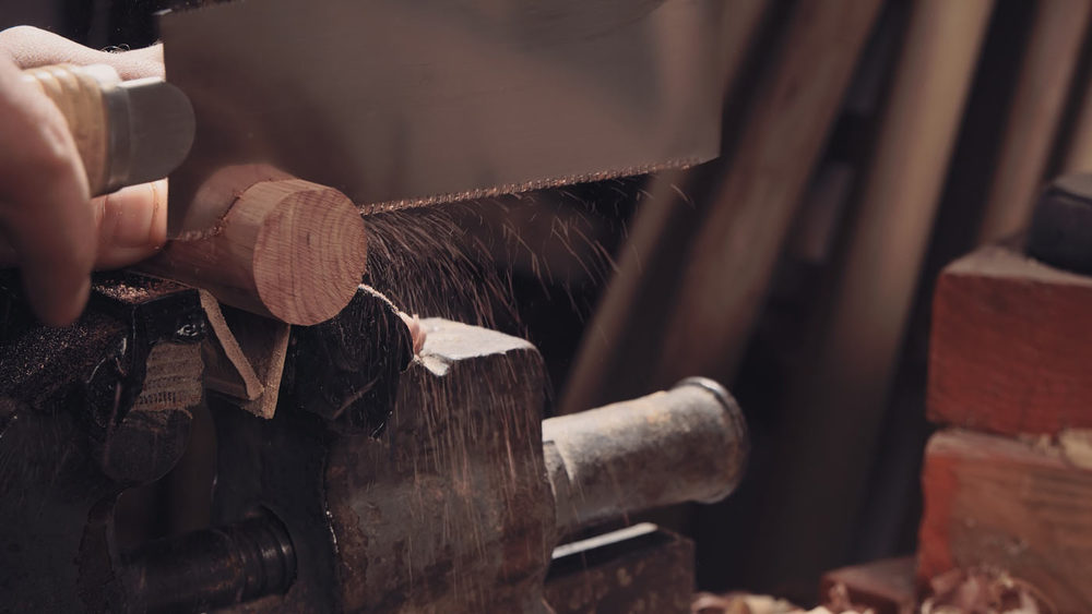 I use Japanese pulling saws mostly. Compared to these our European 'pushing ' saws are quite barbaric and medieval.