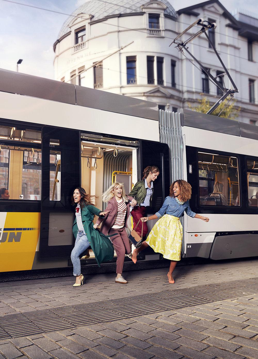 SNA tram FIN vert.jpg