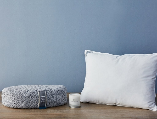 Brentwood Home Holistic Health Bundle Review + Giveaway - Meditation Pillow, Latex Pillow, and Candle
