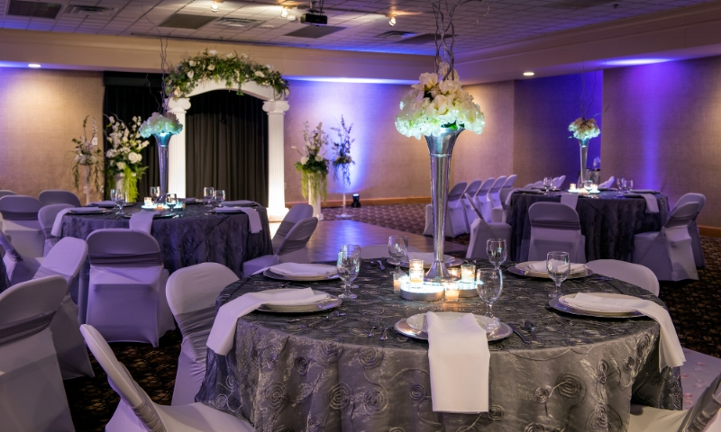 Herald Citizen Room-Small Wedding