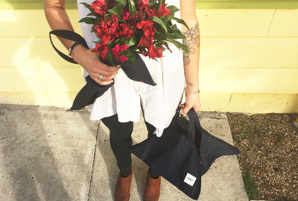 aplat gift tote for food and flowers
