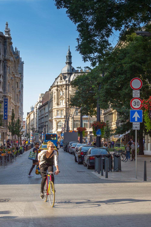 Károlyi utca, Budapest