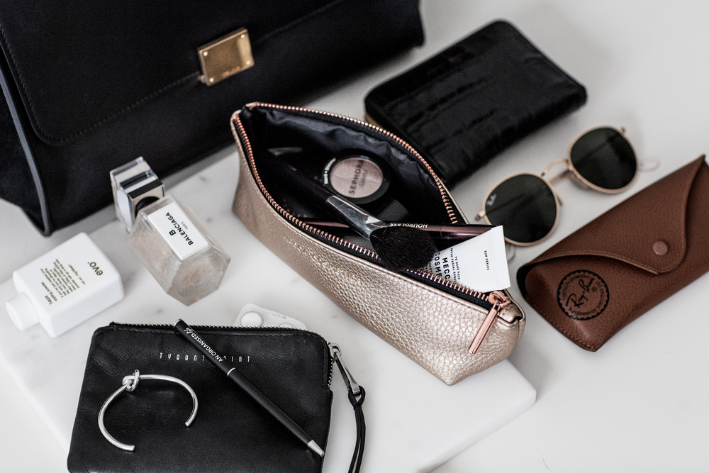 AOL_Vogue_How to organise your handbag 4