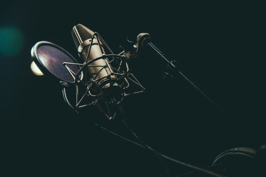 How to get the best commercial voice acting agents, directors, managers and partners to assist you in finding top voice over (VO) acting demo reels and talent for casting calls, auditions, production studio projects including services, demo reels,cost and prices.