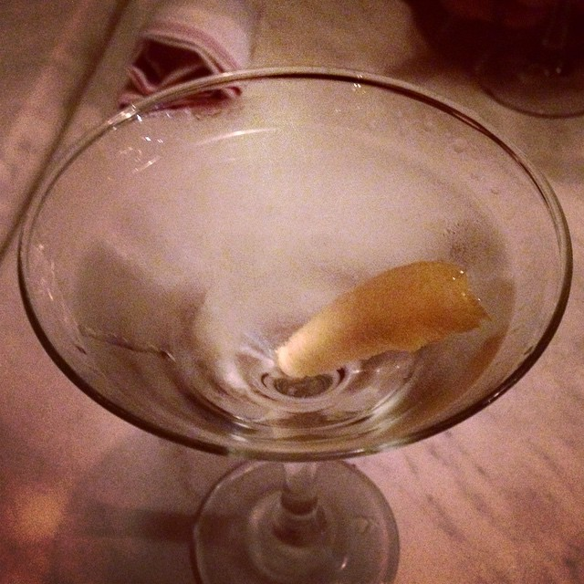 Petite, really good - a bartender I've never seen before ****.5 #martini #beefeater #martinez