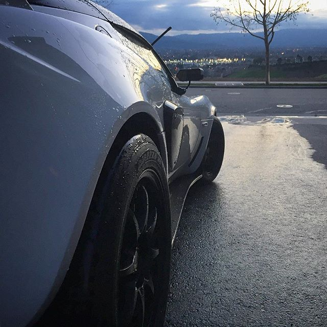 #lotus #lotusnation #elise #exige #britishcars #volkracing #raysengineering #ce28 #dunlop #starspec #carwash #aspenwhite