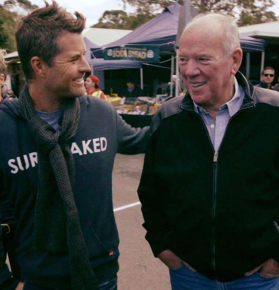 Paleo Diet advocate Pete Evans with journalist and Paleo Skeptic Mike Willesee, as featured on Sunday Night.