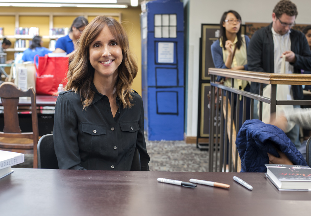 Signing with Lauren Miller (you can see the TARDIS in the background!).