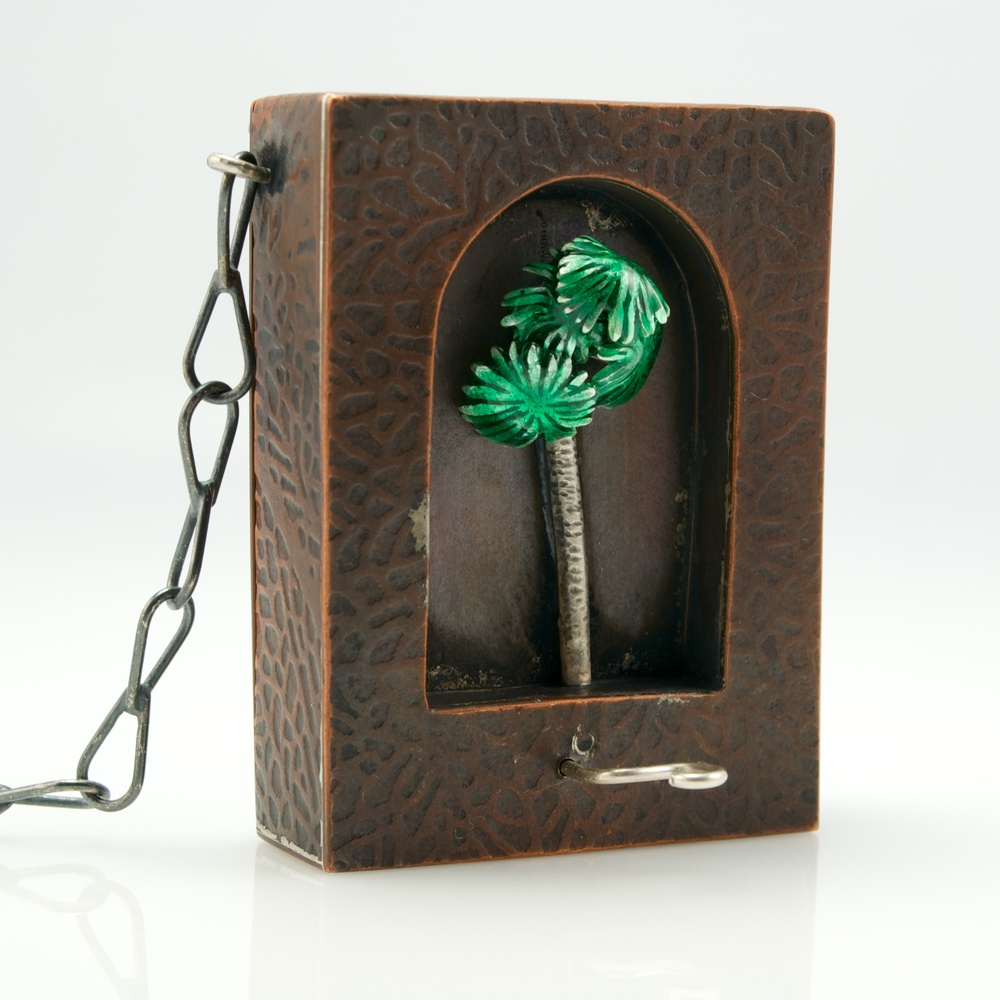 Only this actual moment is life; automaton pendant by Kim Nogueira